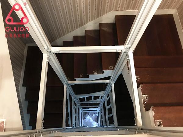 曳引式家用电梯
